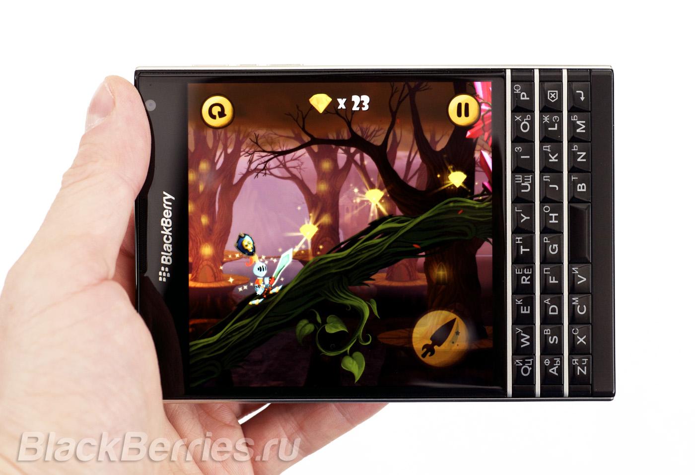 BlackBerry Passport Troubles Land image photo 1400x957
