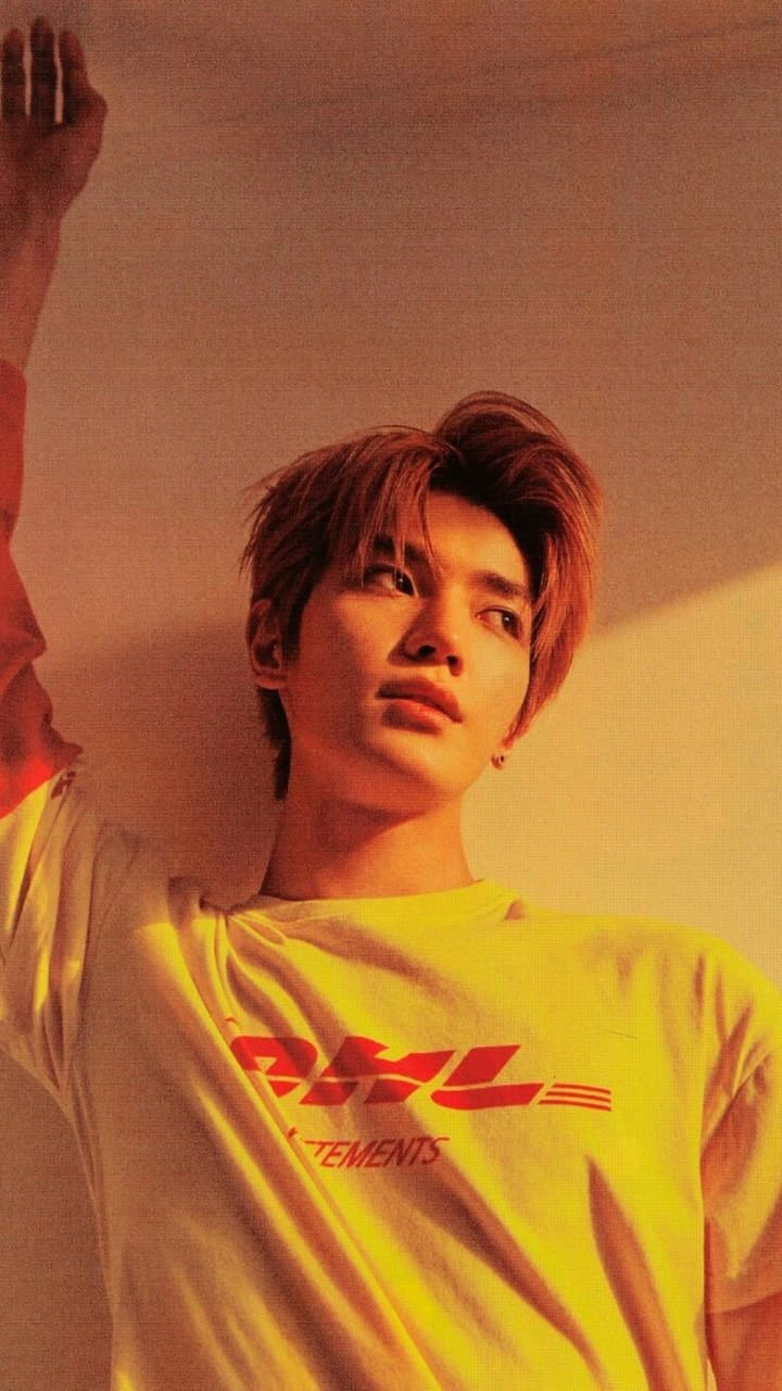 Taeyong is wallpaper material discovered by A f t e r a e s 720x1280