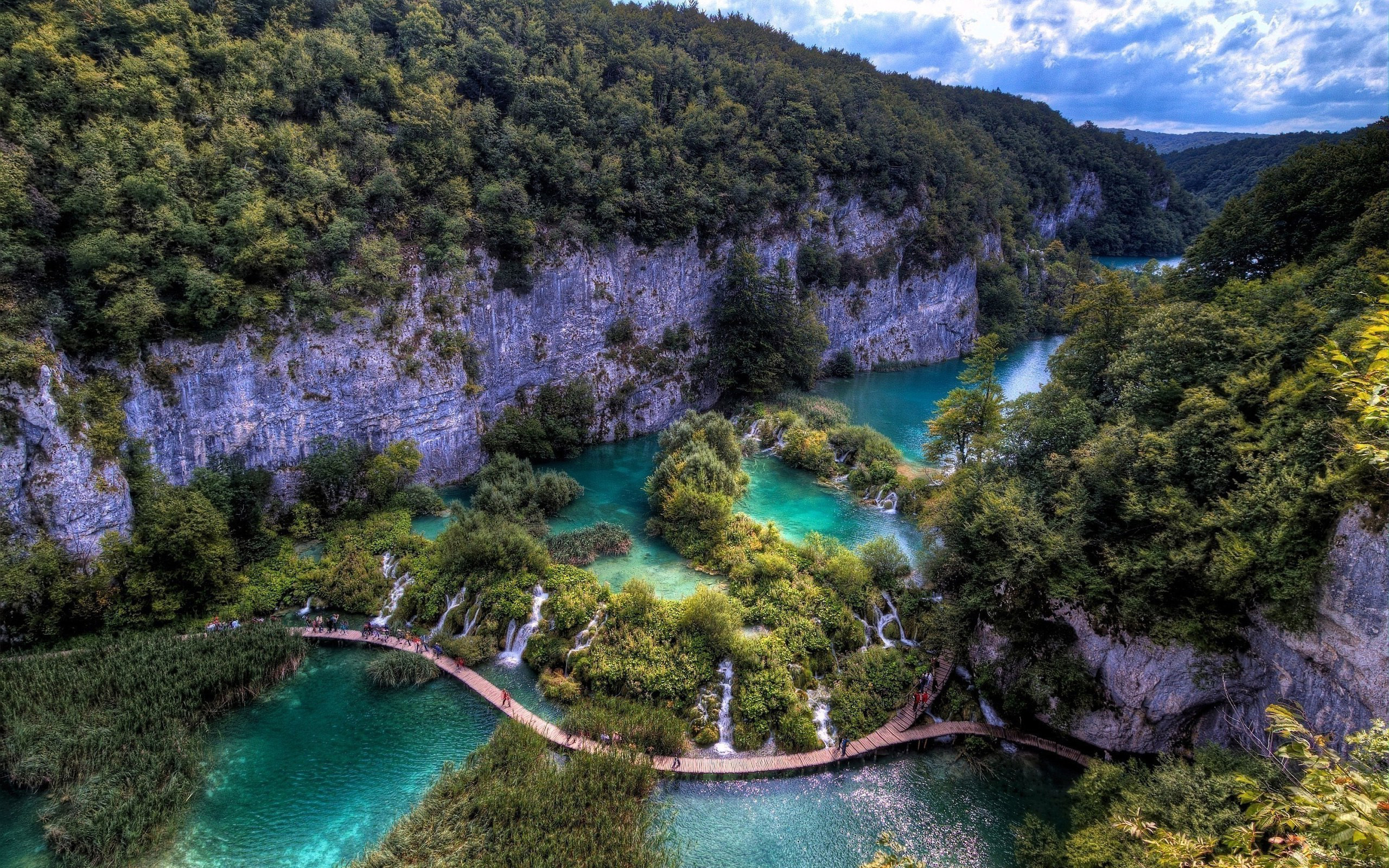 Plitvice Lakes National Park wallpapers 2560x1600