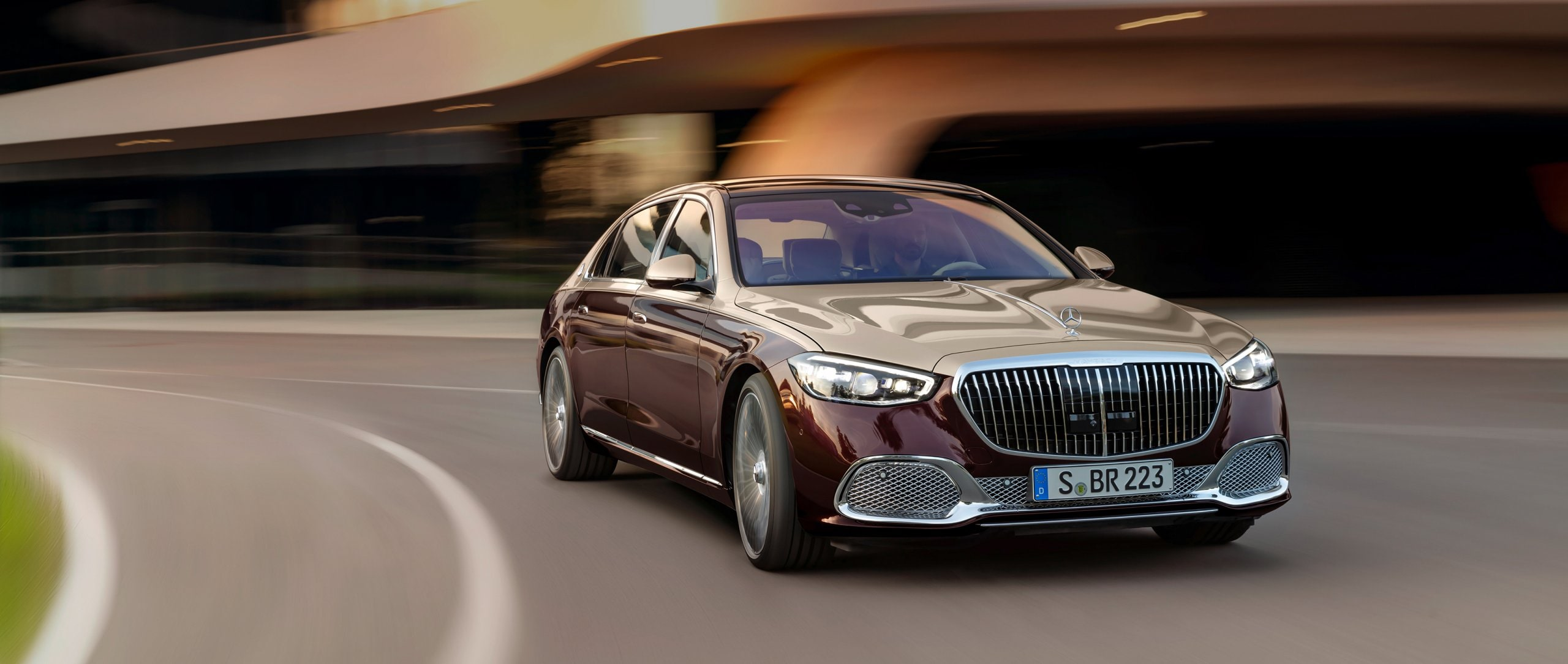The new Mercedes Maybach S Class 2560x1084