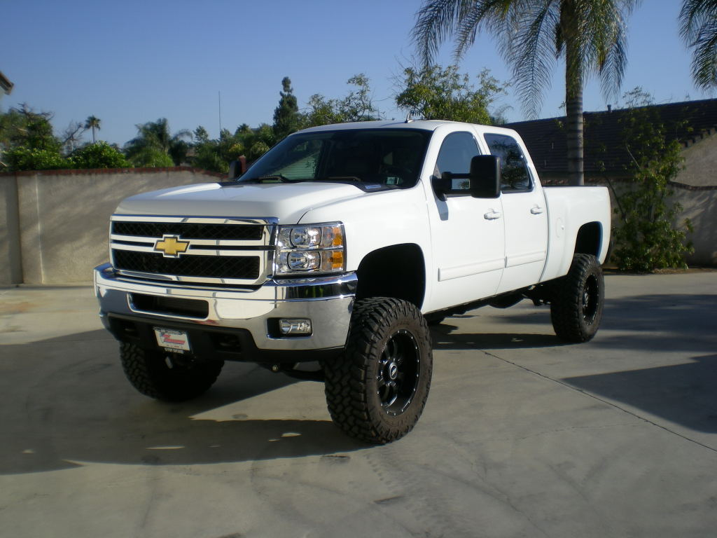 Lifted Gmc Truck Wallpaper White Chevy Trucks Show 1024x768