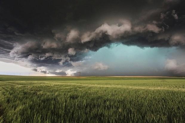 supercell storm wallpaper 620x413