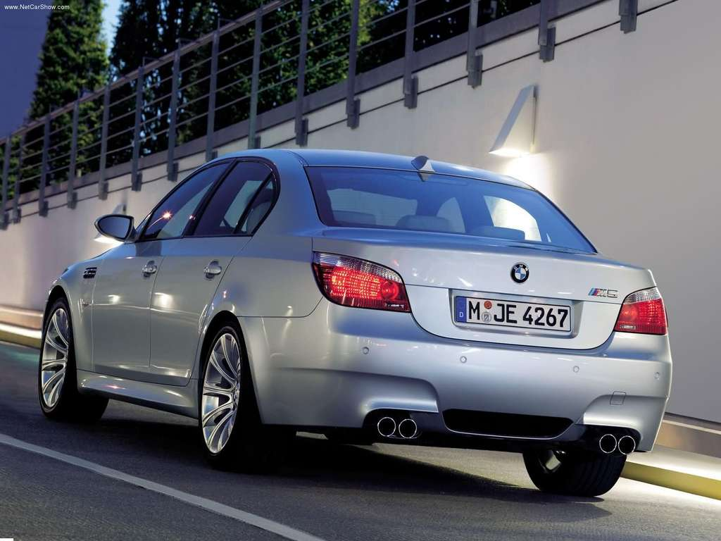 BMW M5 Wallpapers 1024x768