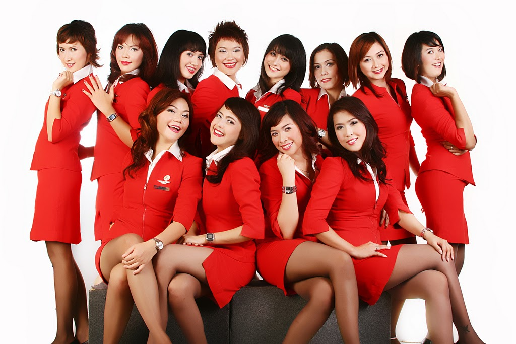 Air Asia flight attendants are taking the promotional photography for 1024x683