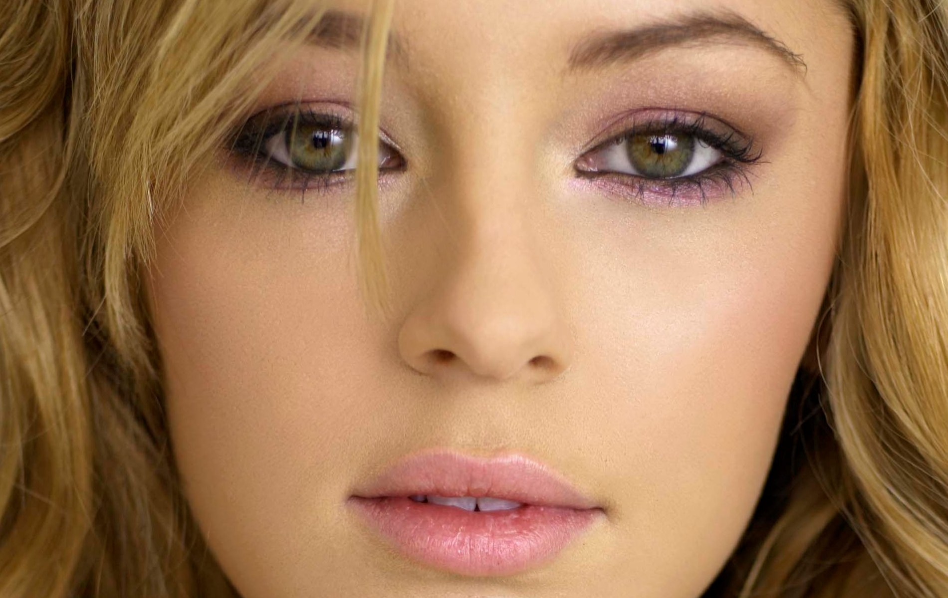 Keeley Hazell Wallpaper and Background Image 1900x1200 ID 1900x1200