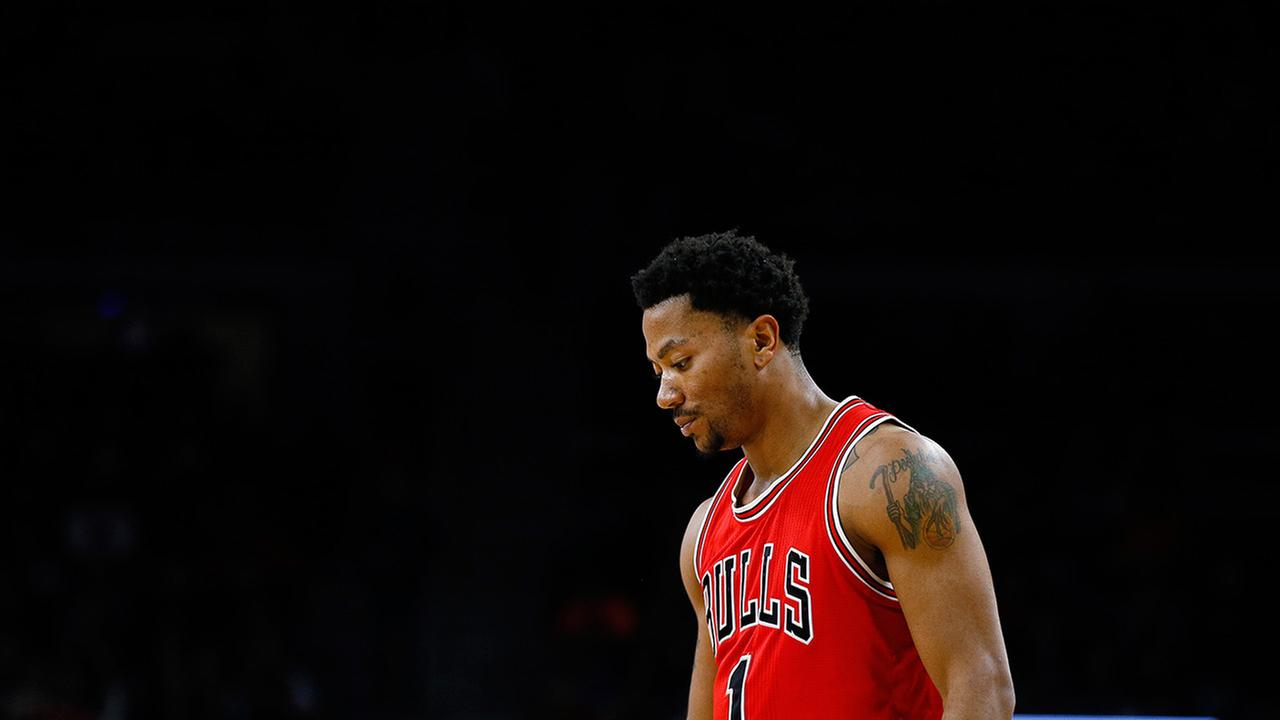 Derrick Rose walks out of hospital after knee surgery Chicago Bulls 1280x720