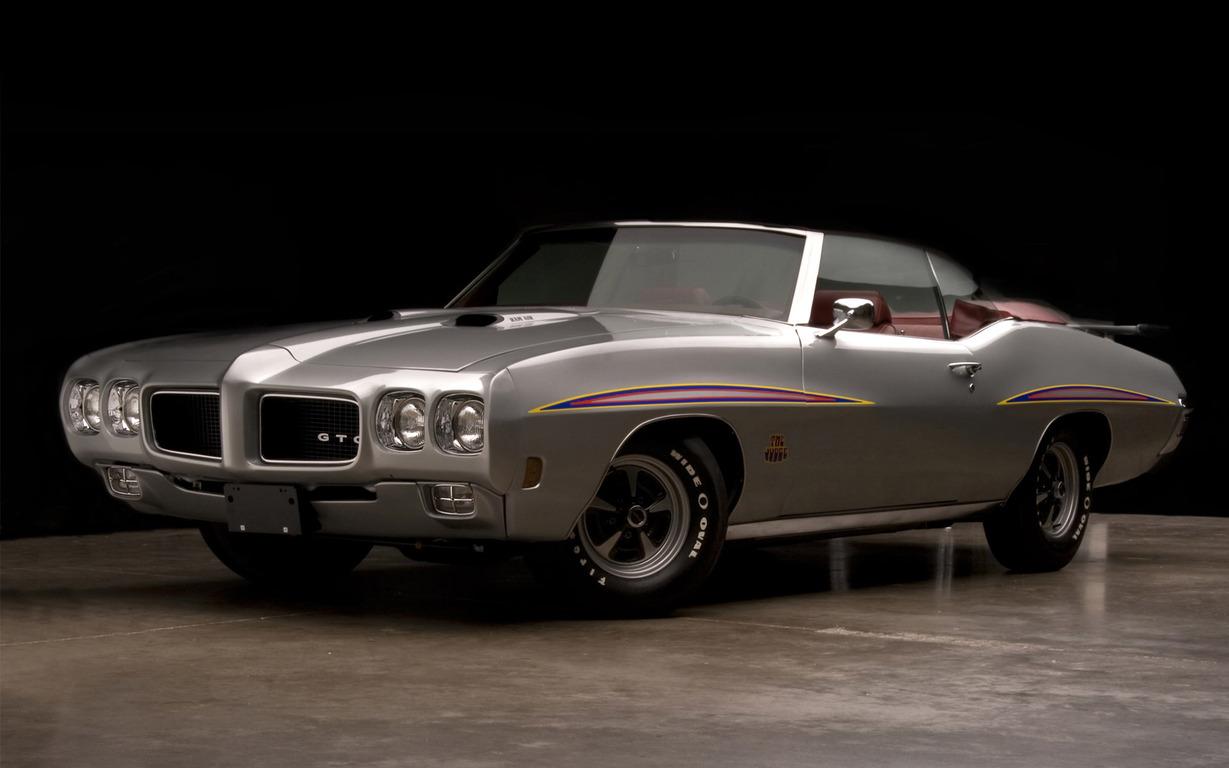 Download 1970 Pontiac GTO wallpaper 1229x768