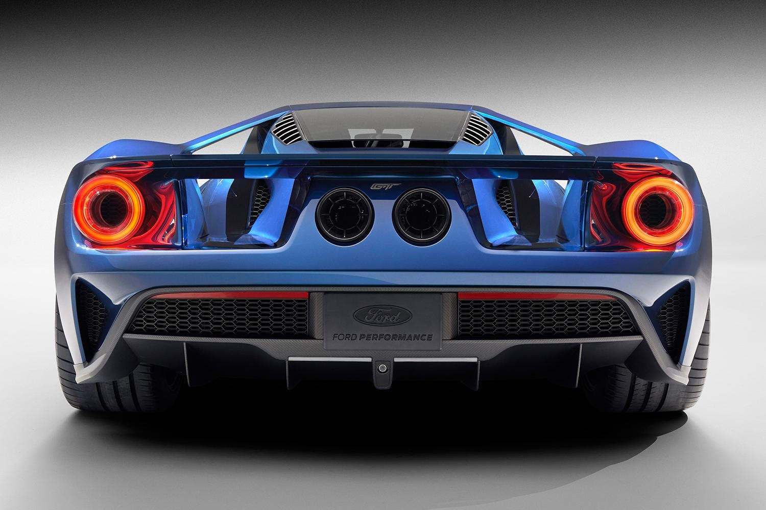 2016 lineup is coming to Forza Motorsport 6 including the new Ford GT 1500x1000