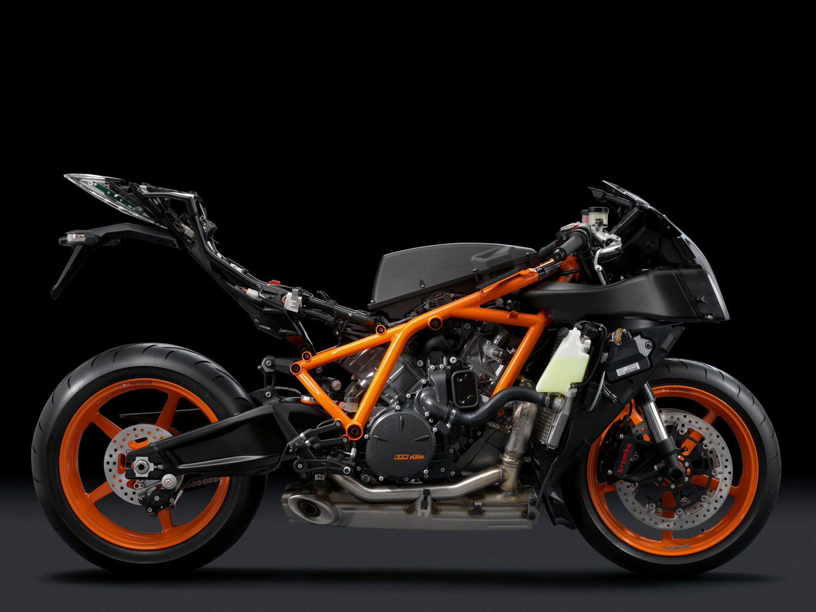 Motorcycle Desktop Wallpapers 2011 KTM 1190 RC8R 1600x1200