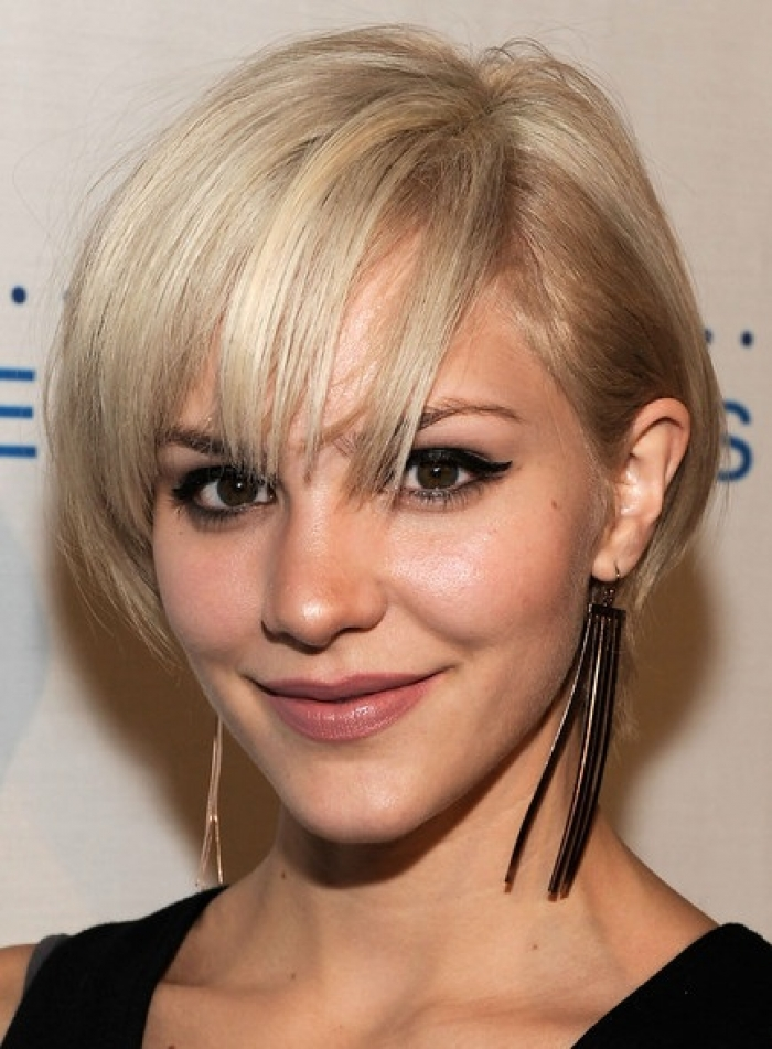 Free Download Download Short Hairstyles For Thick Hair Women Wallpaper How 700x951 For Your Desktop Mobile Tablet Explore 37 Thick Women Wallpaper Fat Girl Wallpaper Fat Lady Wallpaper Fat Chicks Wallpaper