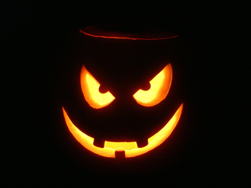 Scary halloween wallpaper Clickandseeworld is all about FunnyAmazing 1024x768