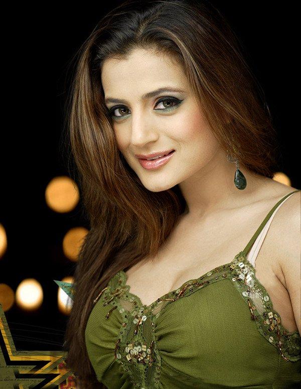 Cricket News Blogger Tips Hot Bollywood Actress 600x775