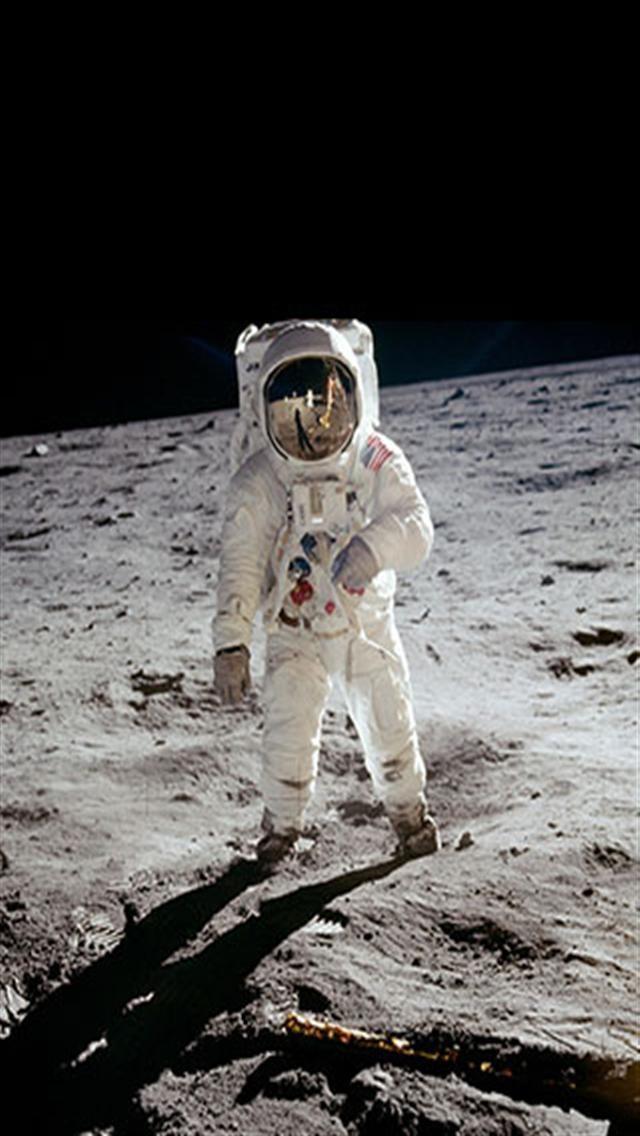 47 Astronaut On The Moon Wallpaper On Wallpapersafari