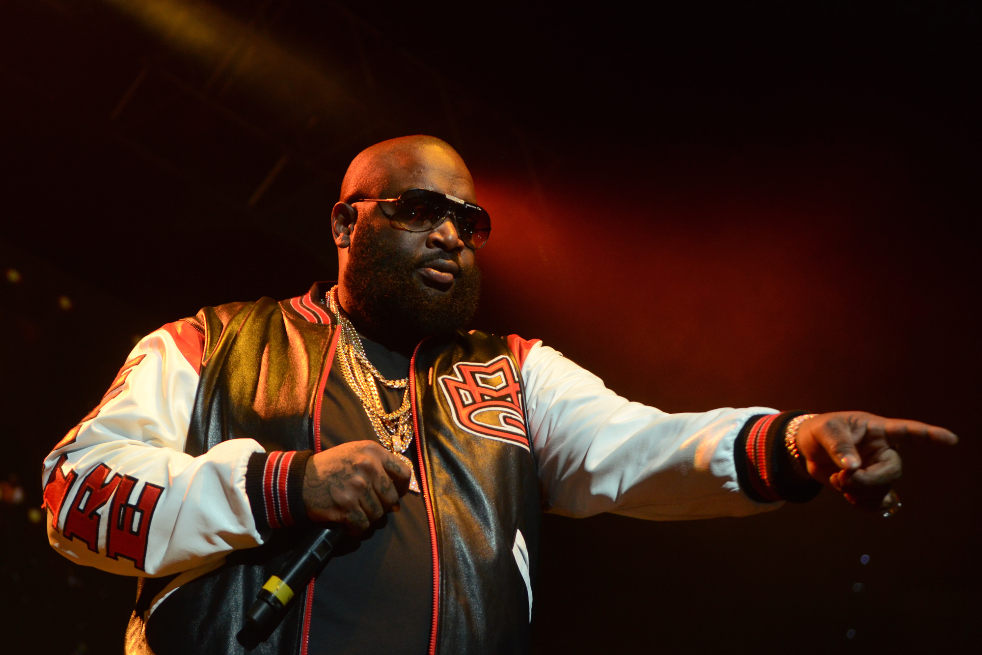 RICK ROSS gangsta rapper rap hip hop microphone concert g wallpaper 2000x1333