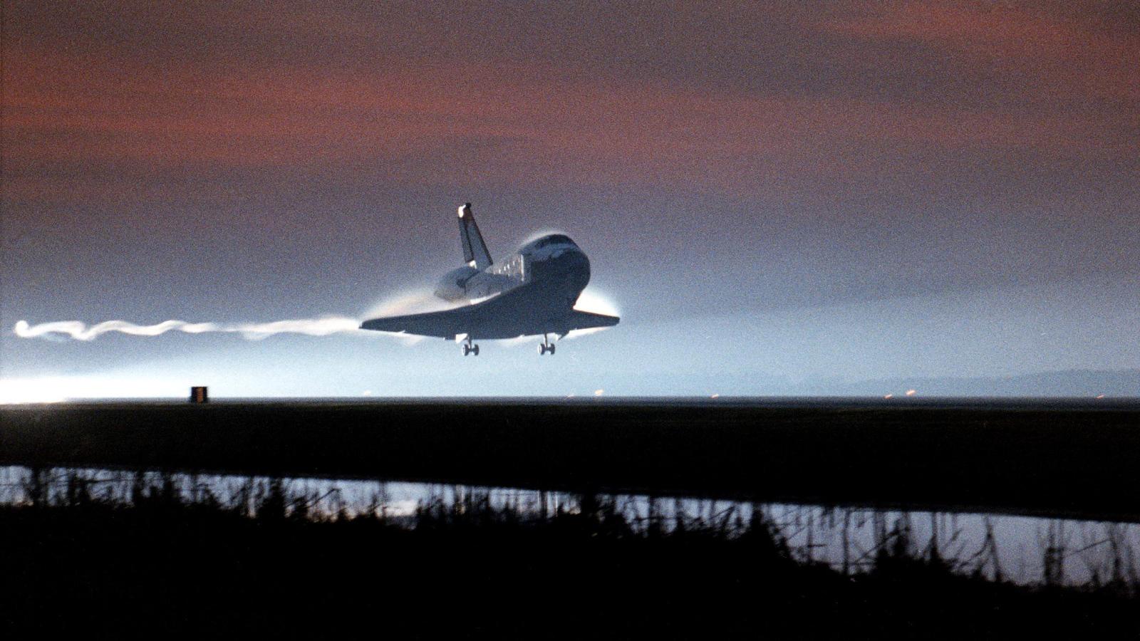Space shuttle desktop wallpaper wallpapersafari - Space wallpaper 1600x900 ...