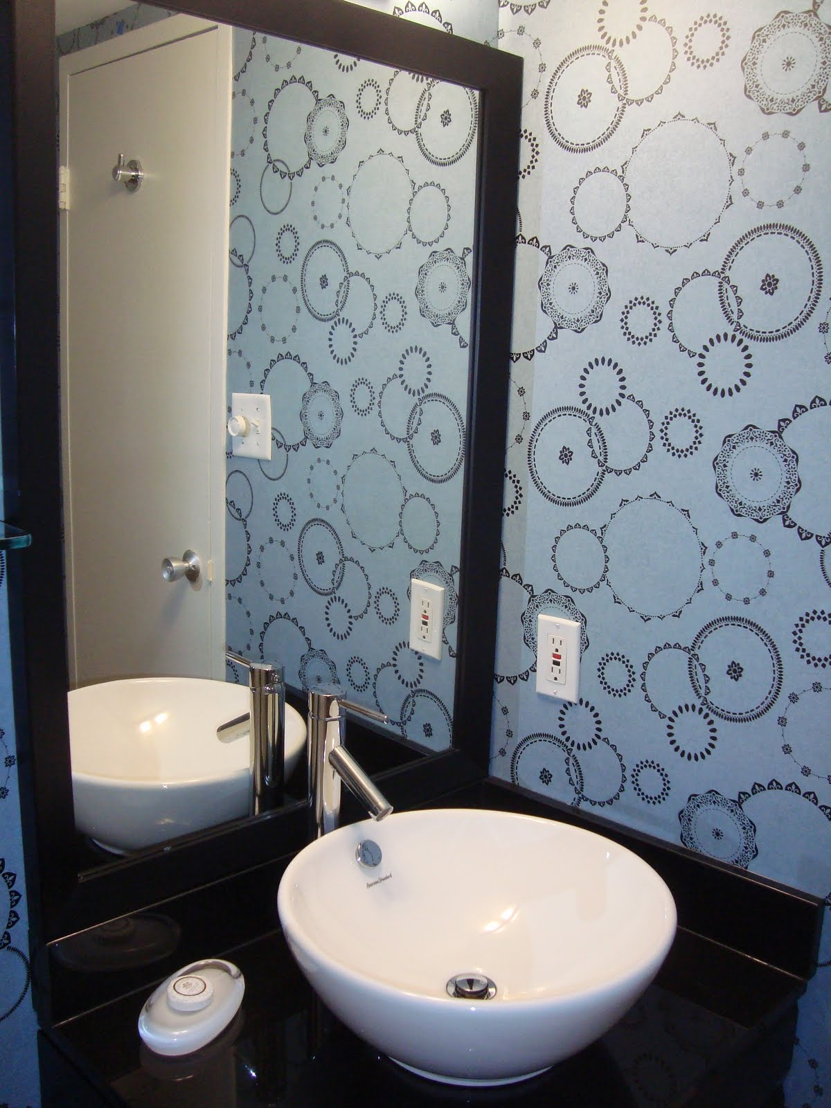 wallpaper ideas for bathrooms 1200x1600