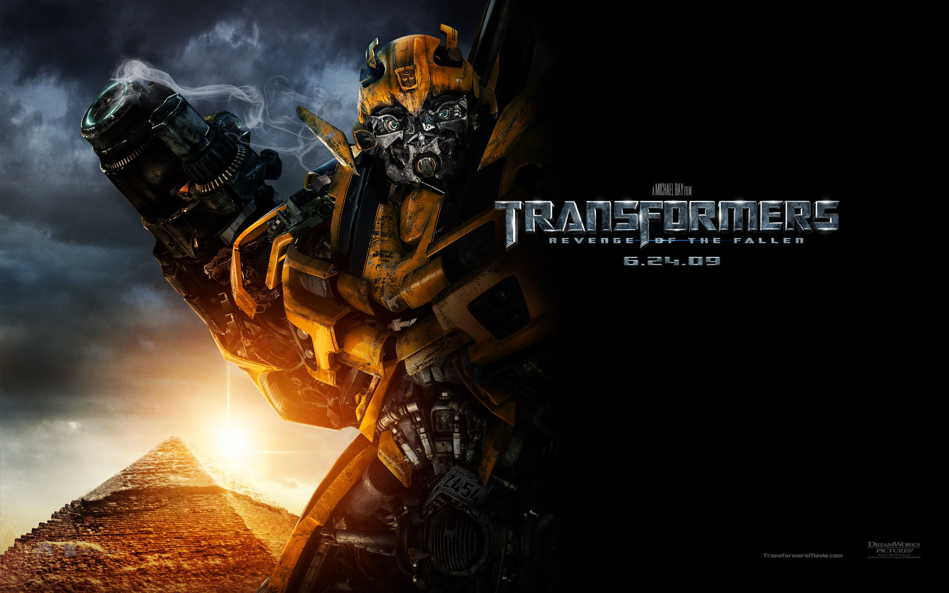 bumble bee autobot in transformers revenge of the fallen wallpaper 1920x1200