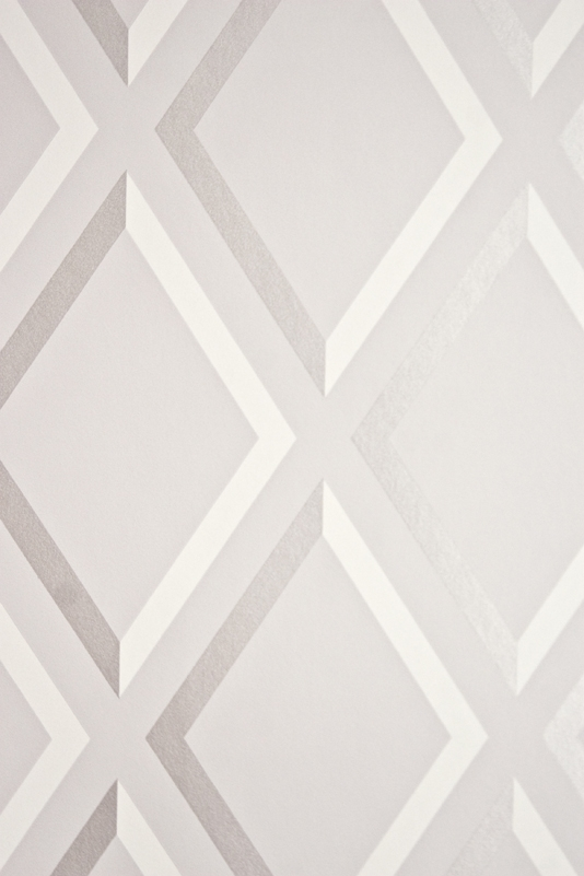 Pompeian Trellis Wallpaper Geometric light Grey and White diamond 534x801