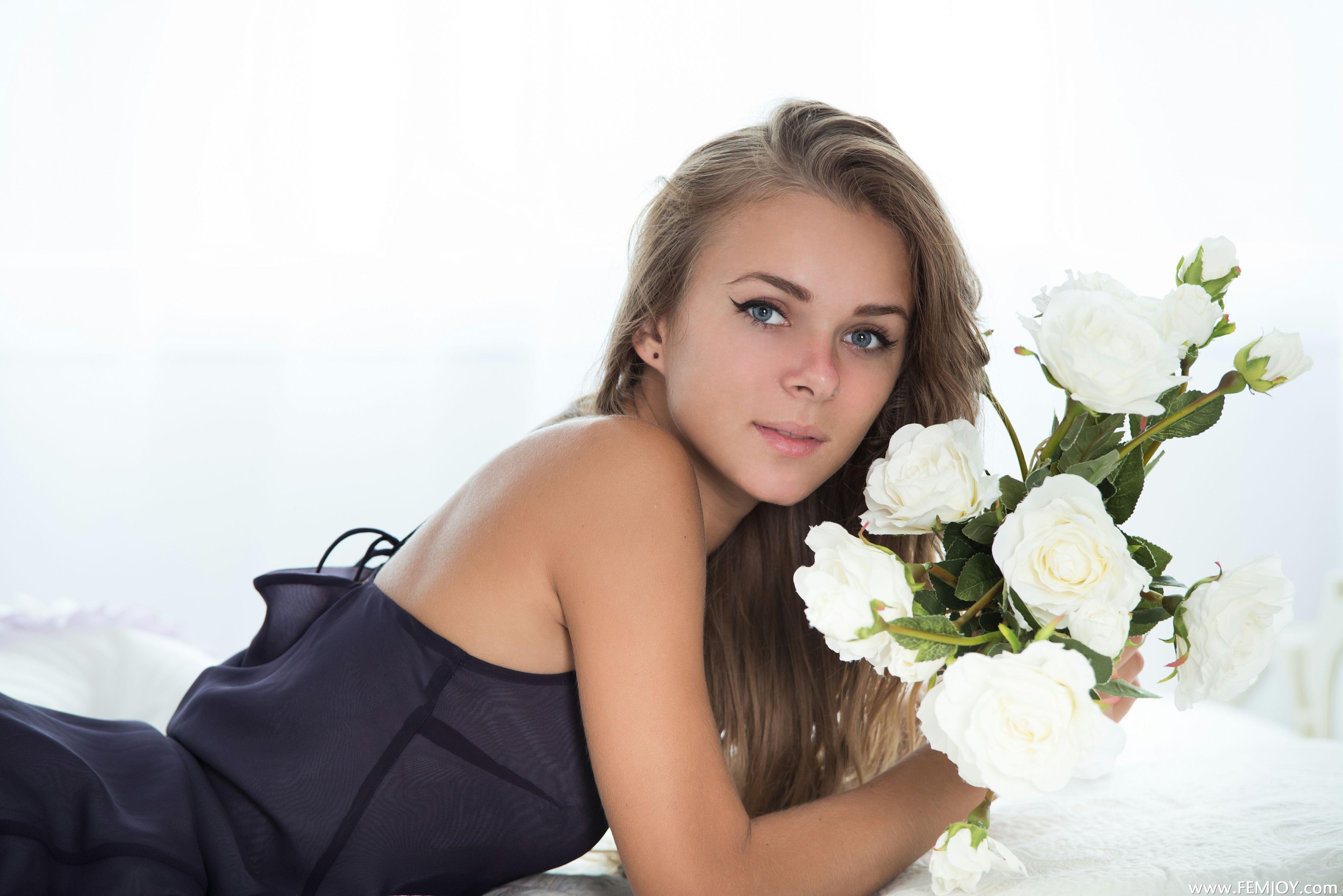 Wallpaper women model blonde flowers long hair blue eyes 4000x2670