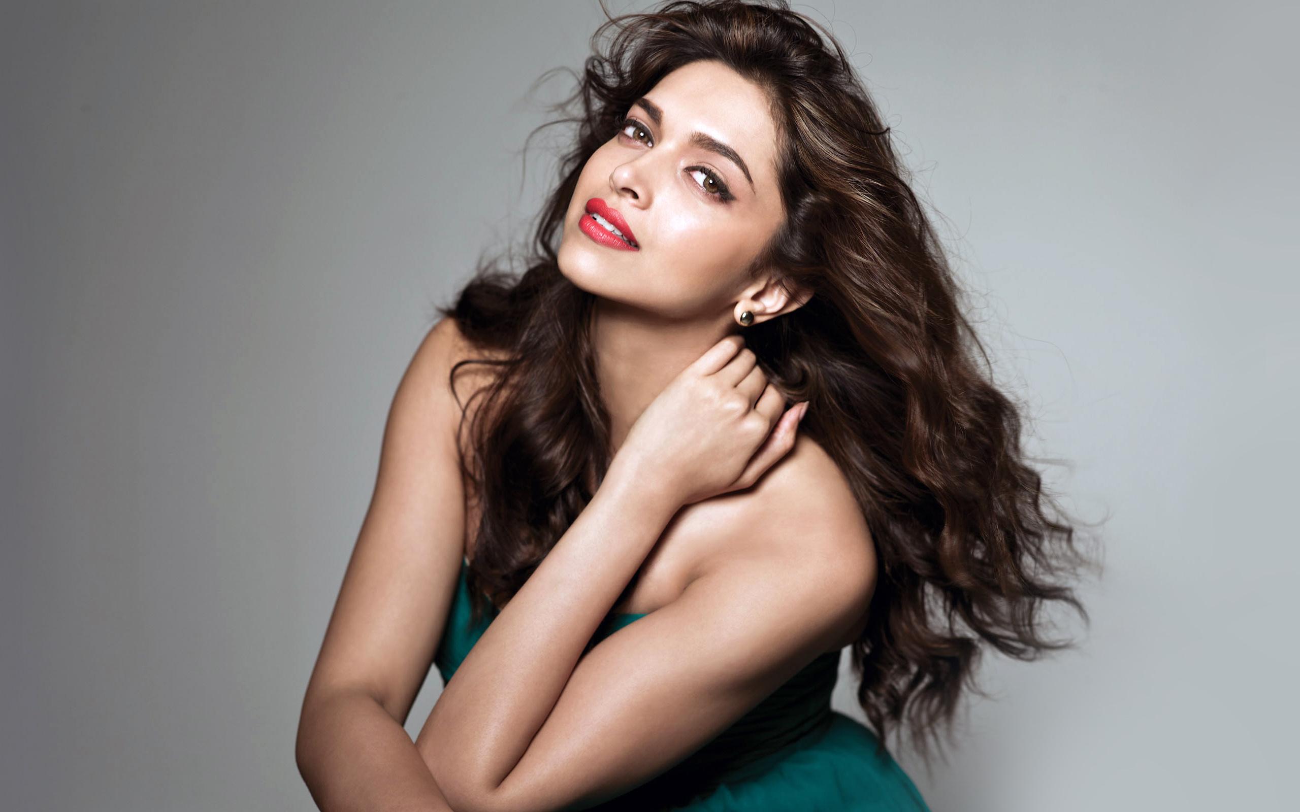Deepika Padukone Bollywood Actress Wallpapers HD Wallpapers 2560x1600