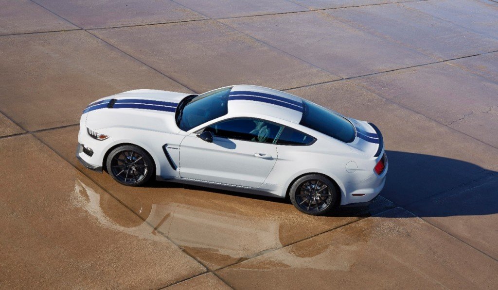 2016 Ford Mustang Shelby GT350 HD Wallpapers 1024x598