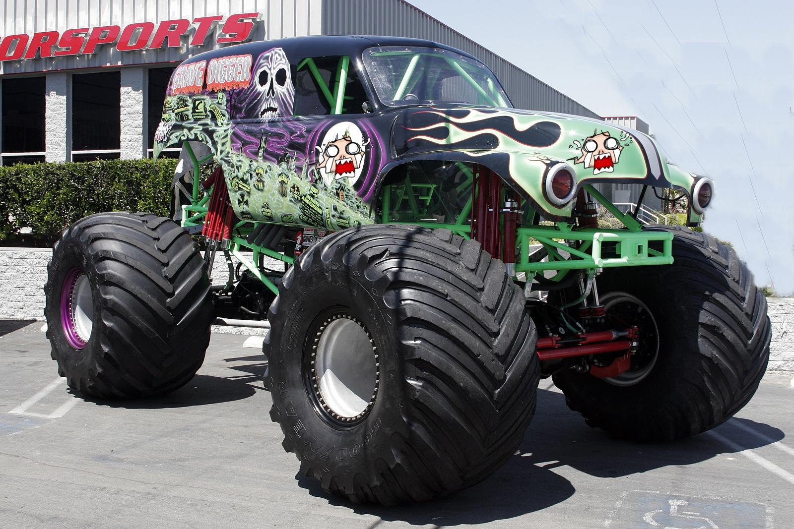 grave digger monster truck wallpaper monster truck high jump wallpaper 1600x1067