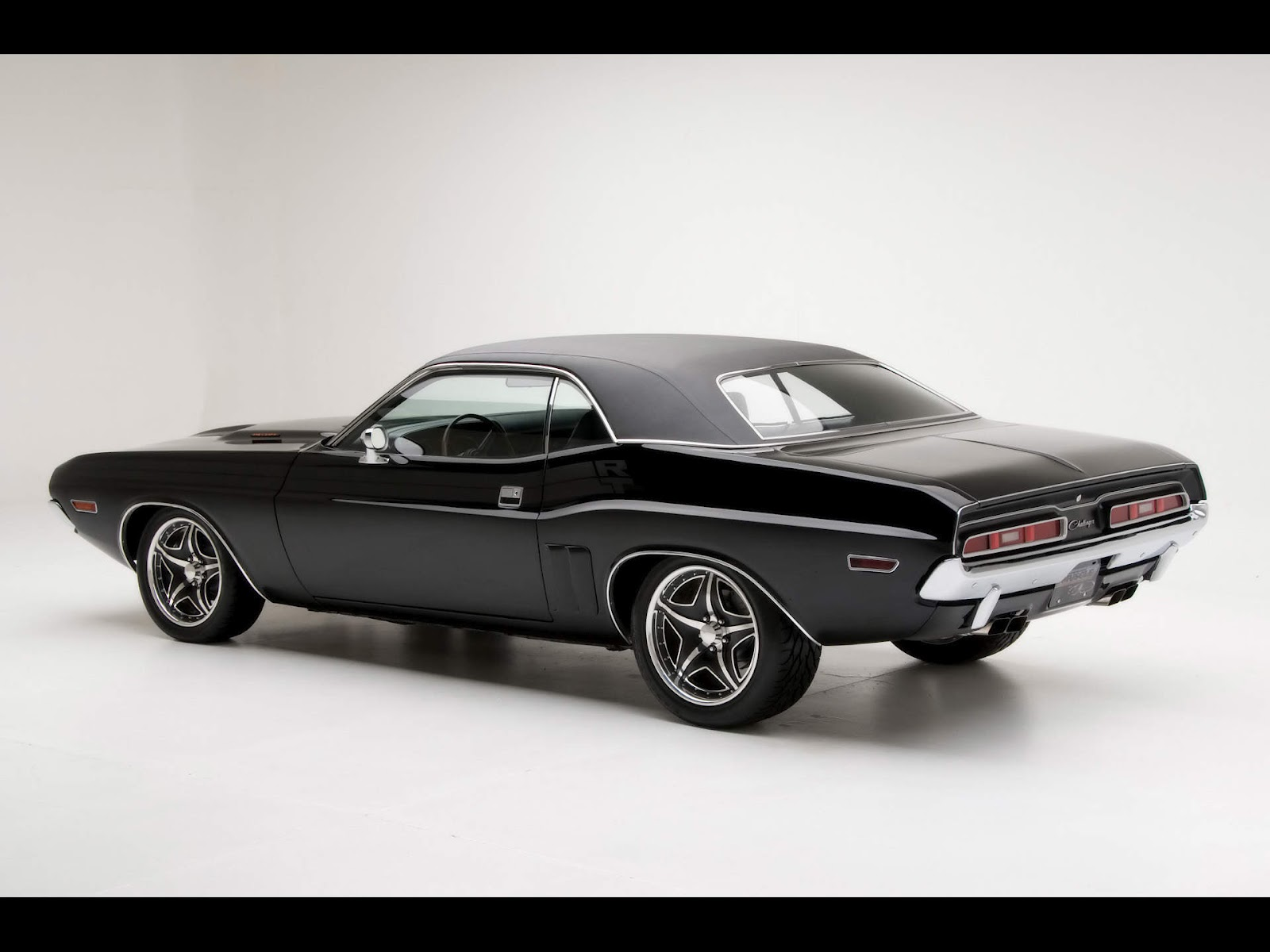 Dodge Challenger RT Classic Cars Wallpaper Muscle cars wallpaperjpg 1600x1200