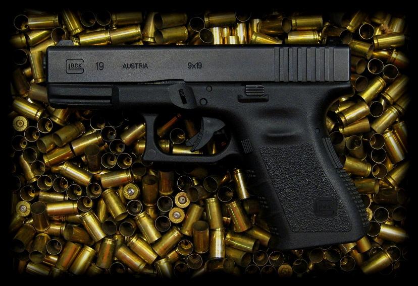 Glock 19 Logo Wallpaper The glock 19 by rcbif 828x568