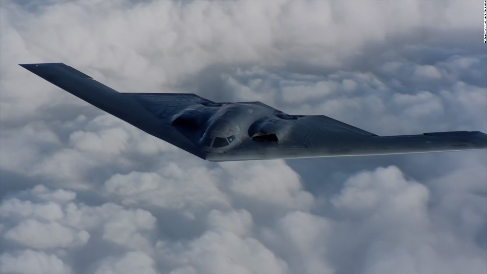 B 2 Bomber Plane Images amp Pictures   Becuo 1600x900