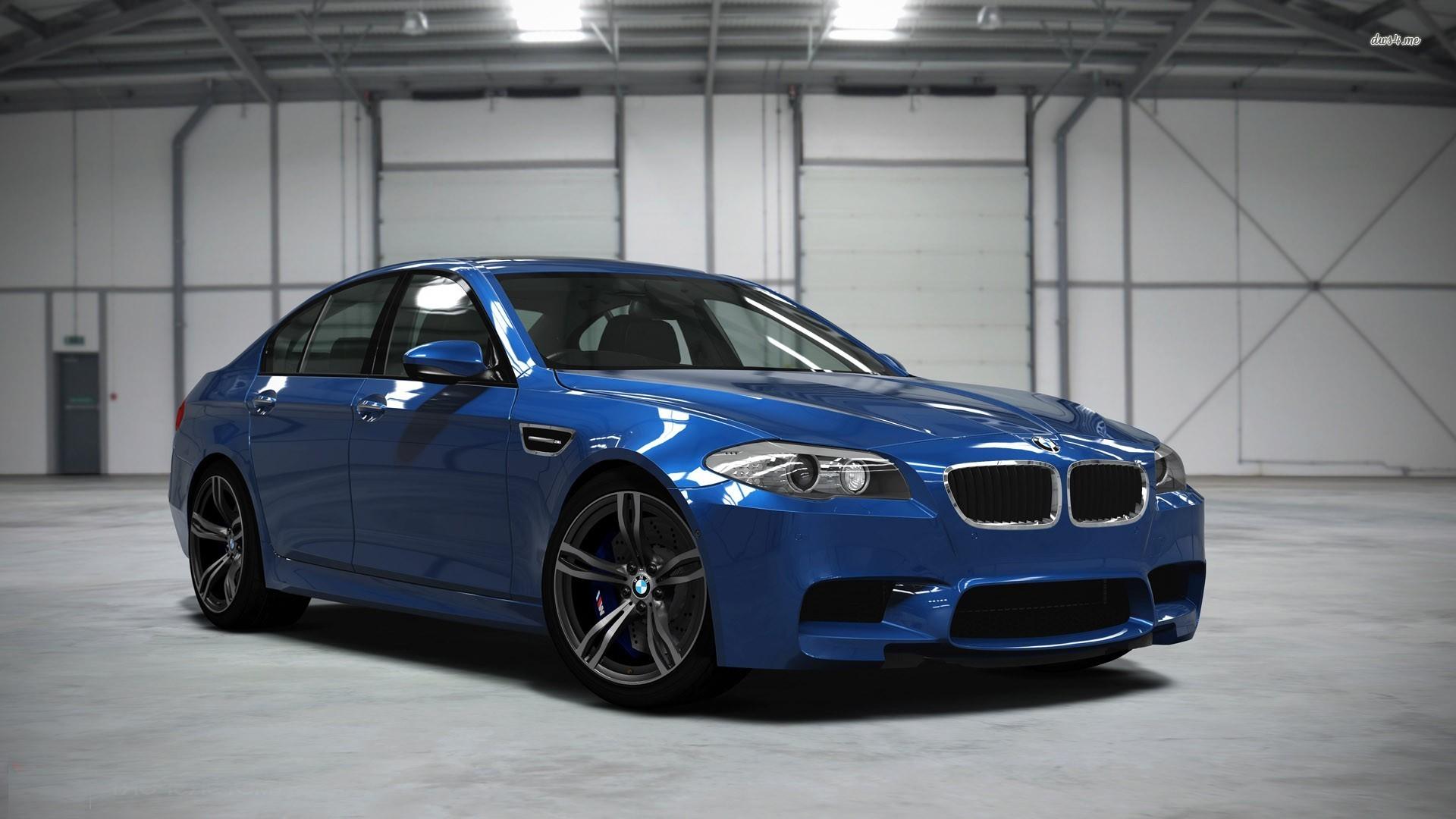 Белый BMW M5  № 445255 загрузить