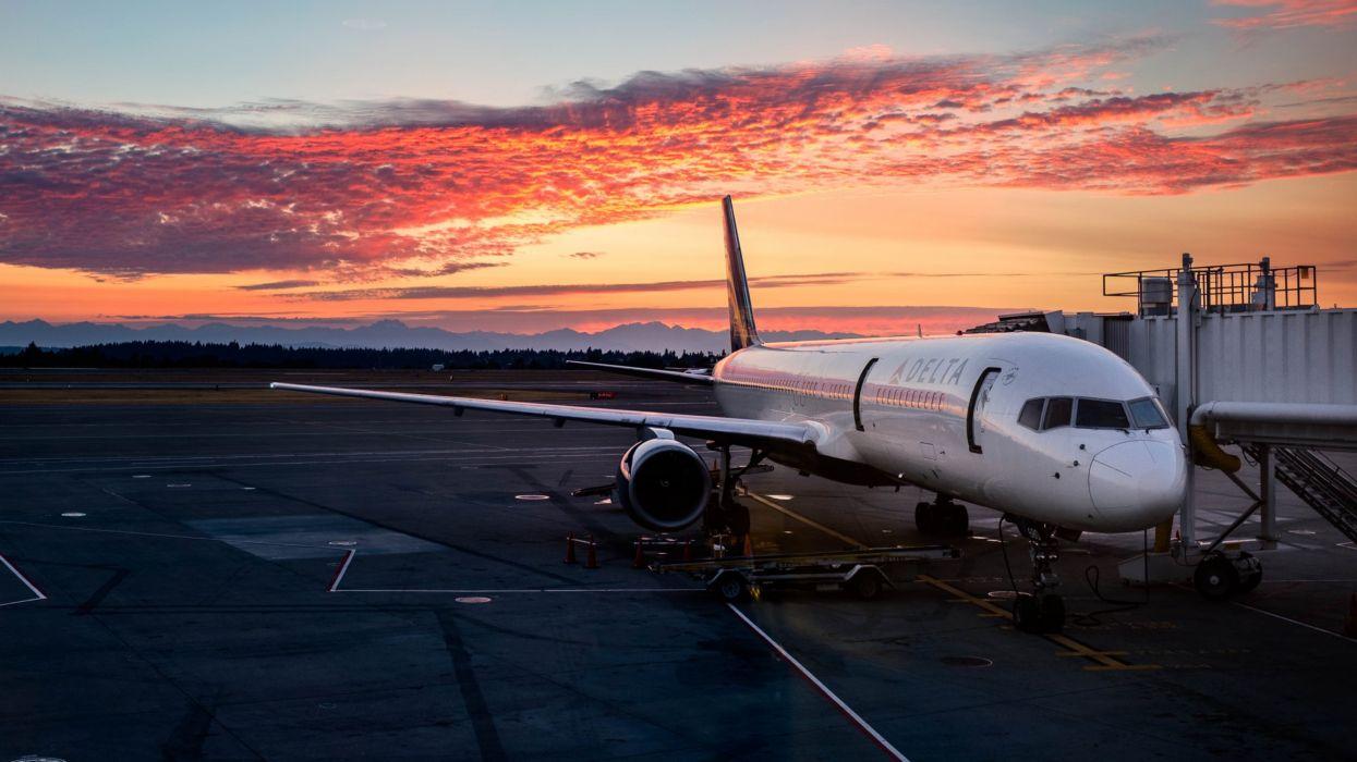 Passenger aircraft SEATAC Airport wallpaper 3840x2160 796365 1245x700