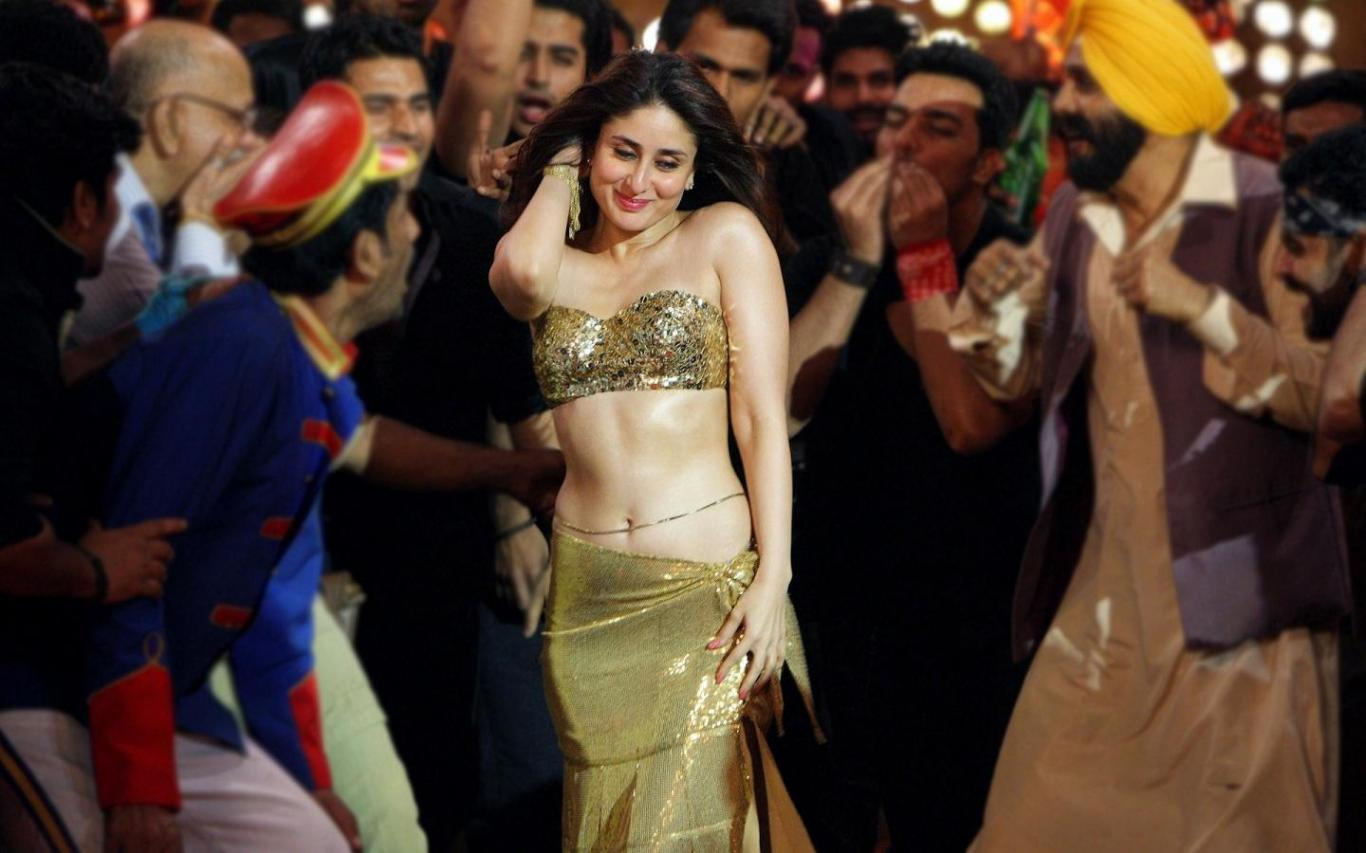 Download KAREENA KAPOOR DANCING NEW WALLPAPER Wallpaper HD FREE 1366x853