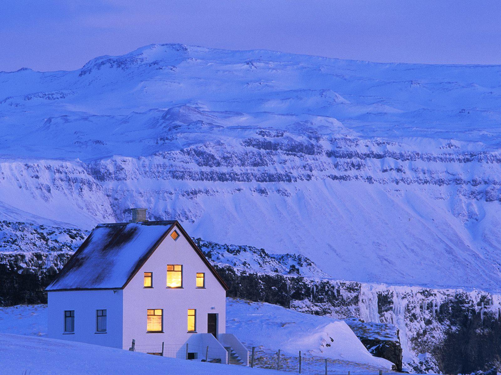Cozy Mountain Home   Winter Wallpaper 509530 1600x1200
