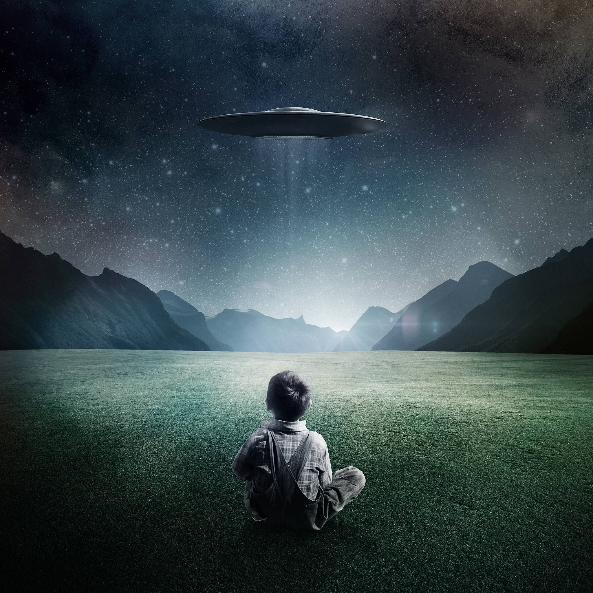 Alien UFO Wallpapers   Top Alien UFO Backgrounds 2048x2048