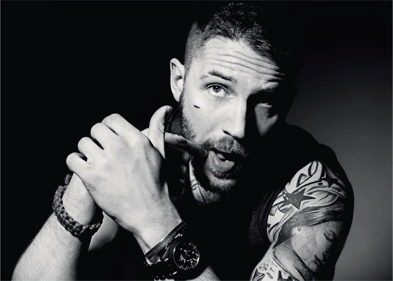 Tom Hardy HD Wallpaper Background Images 1366x976