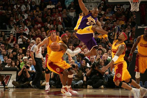Cool Sports Players kobe bryant vs lebron james wallpaper 585x390