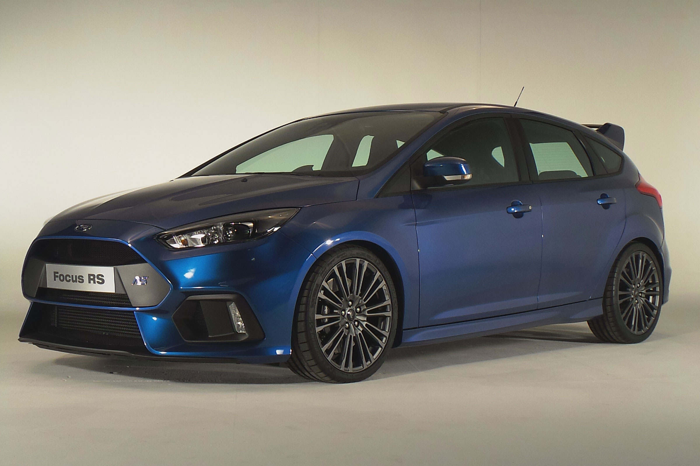 Ford Focus RS 2015 Wallpaper   HD 2400x1600