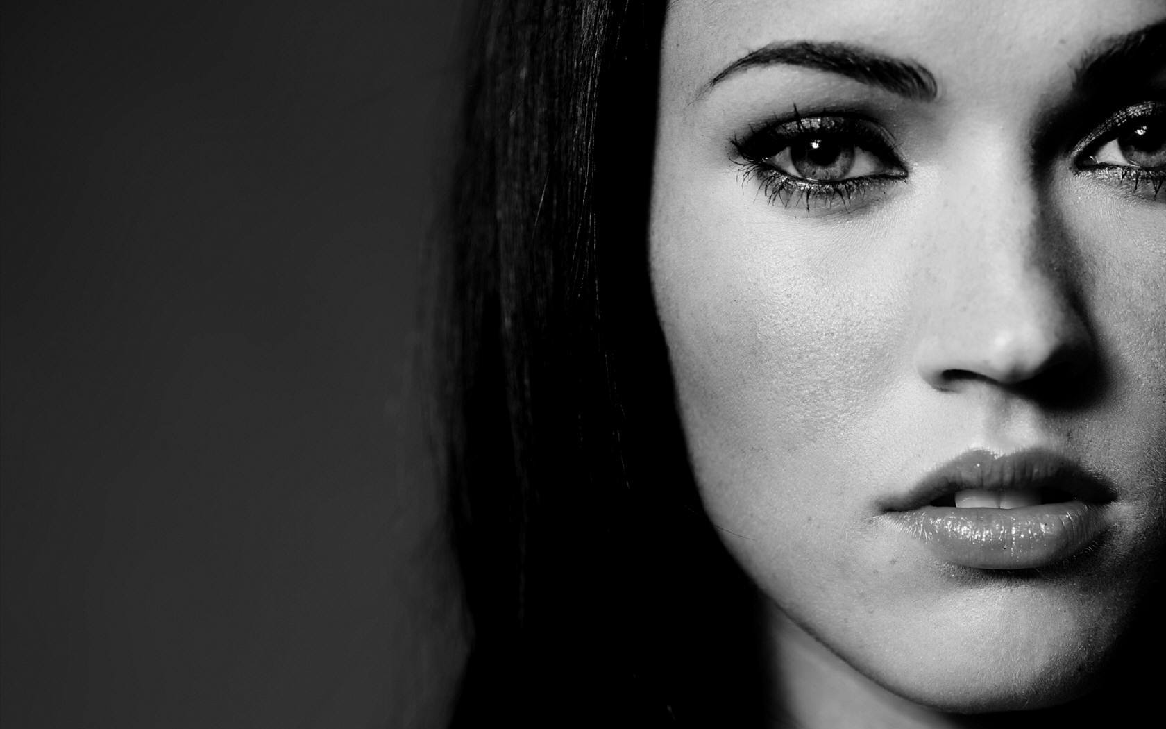 1680x1050 Megan Fox BW desktop PC and Mac wallpaper 1680x1050
