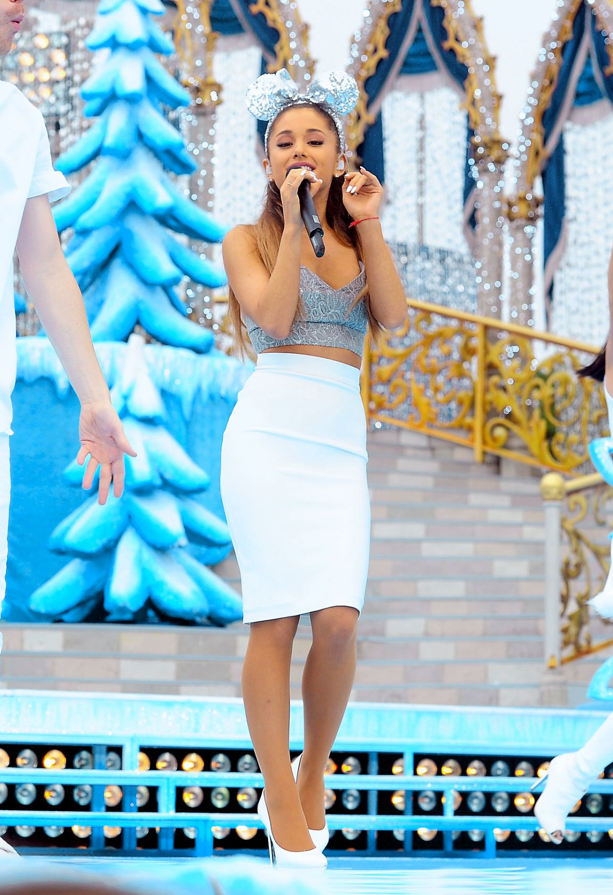 ARIANA GRANDE Performs at Disney Parks Christmas Parade in Orlando 1200x1750