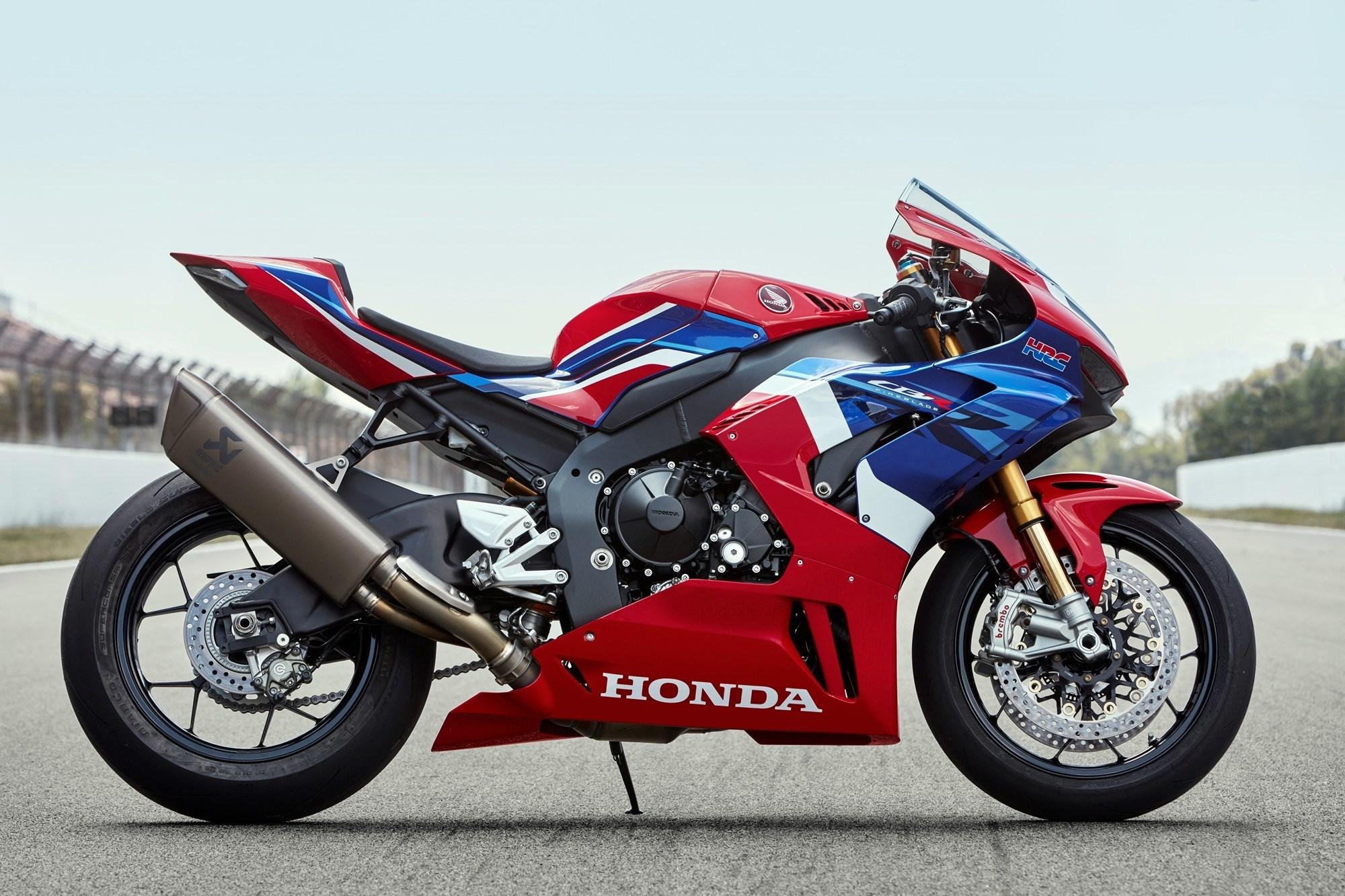 2020 Honda CBR1000RR R SP Fireblade high res images IAMABIKER 2000x1333