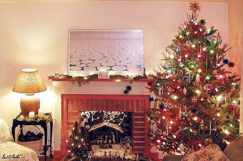 Christmas Fireplace Desktop Wallpapers Christmas Fireplace Pictures 500x333