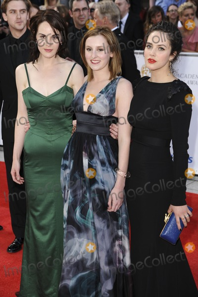 Photos and Pictures   Michelle Dockery Laura Carmichael 400x600