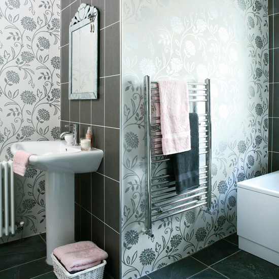 How to Decorate a Bathroom with Wallpaper 550x550