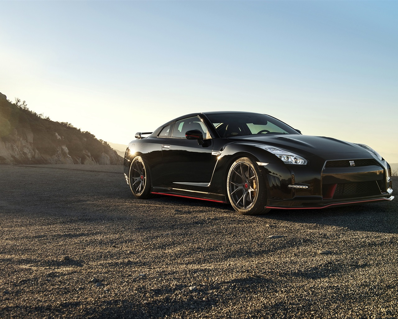 Nissan GT R black supercar Wallpaper 1280x1024 resolution wallpaper 1280x1024