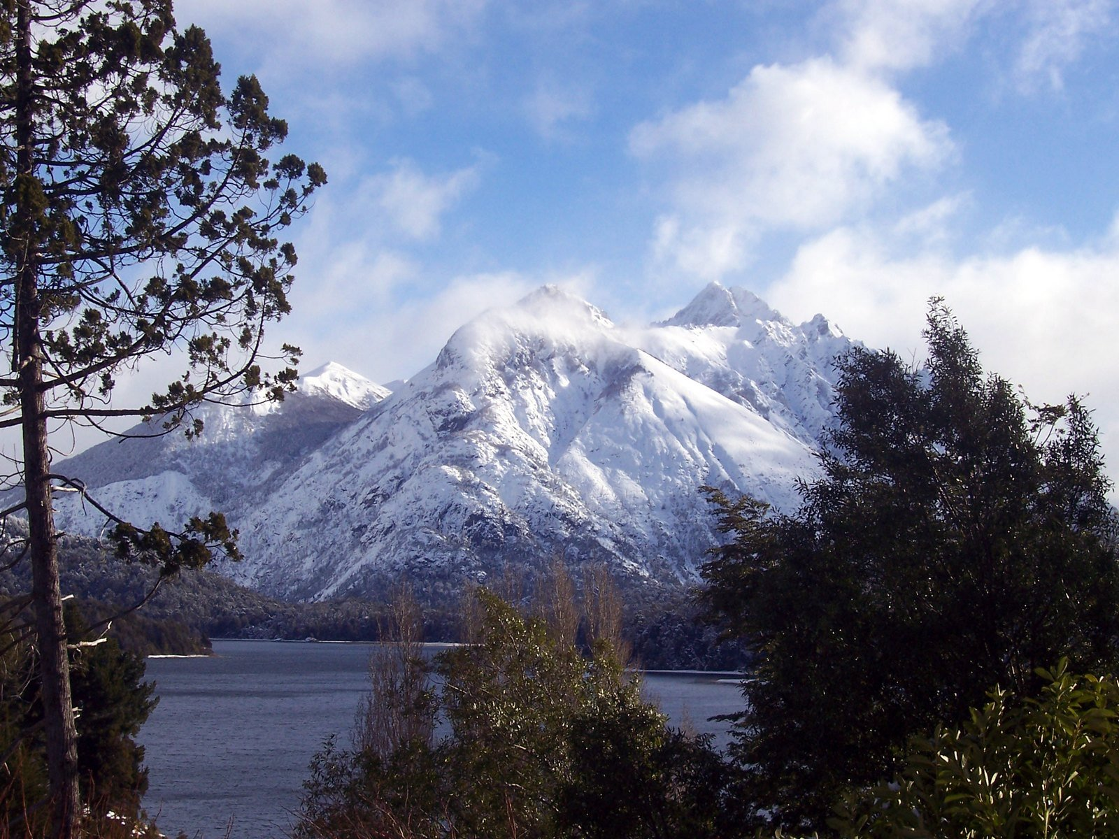 Winter Mountain Backgrounds wallpaper Winter Mountain Backgrounds hd 1600x1200
