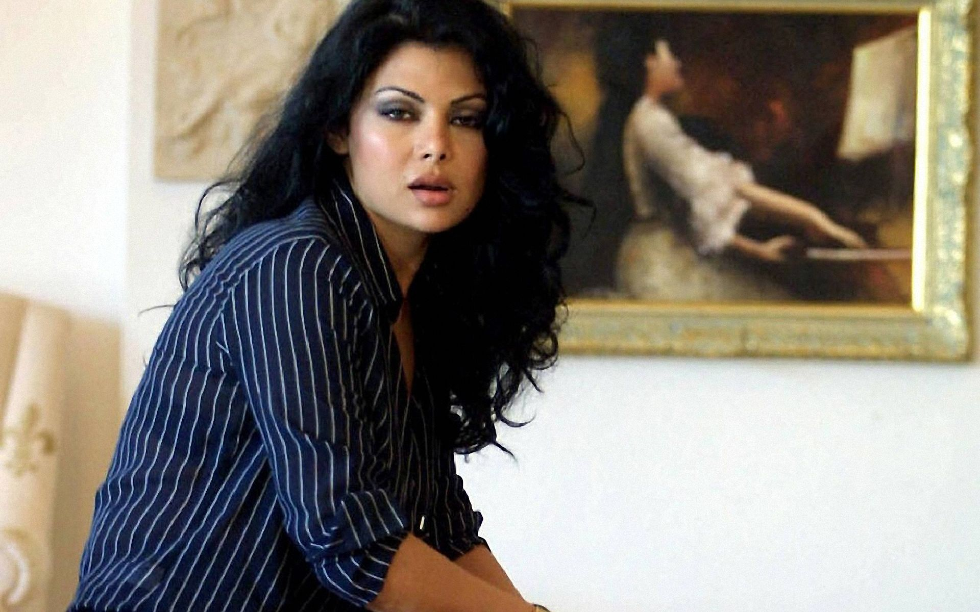 haifa wehbi bikini