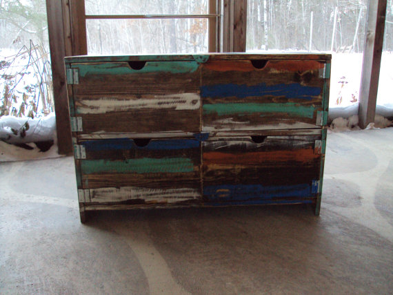 Reclaimed wood 570x427