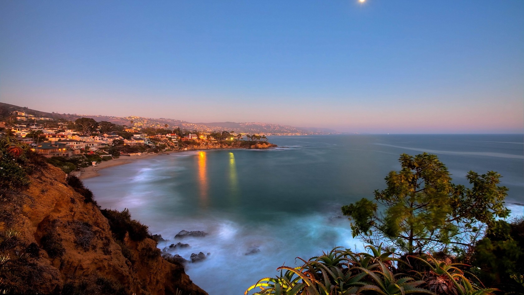 Laguna Beach California HD Wallpaper of Beach 1680x945