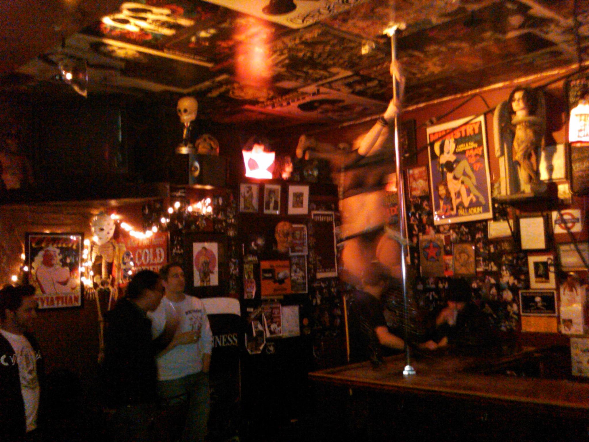 Got Kinda Lucky at Lucky 13 Saloon I Bar Fly 2048x1536