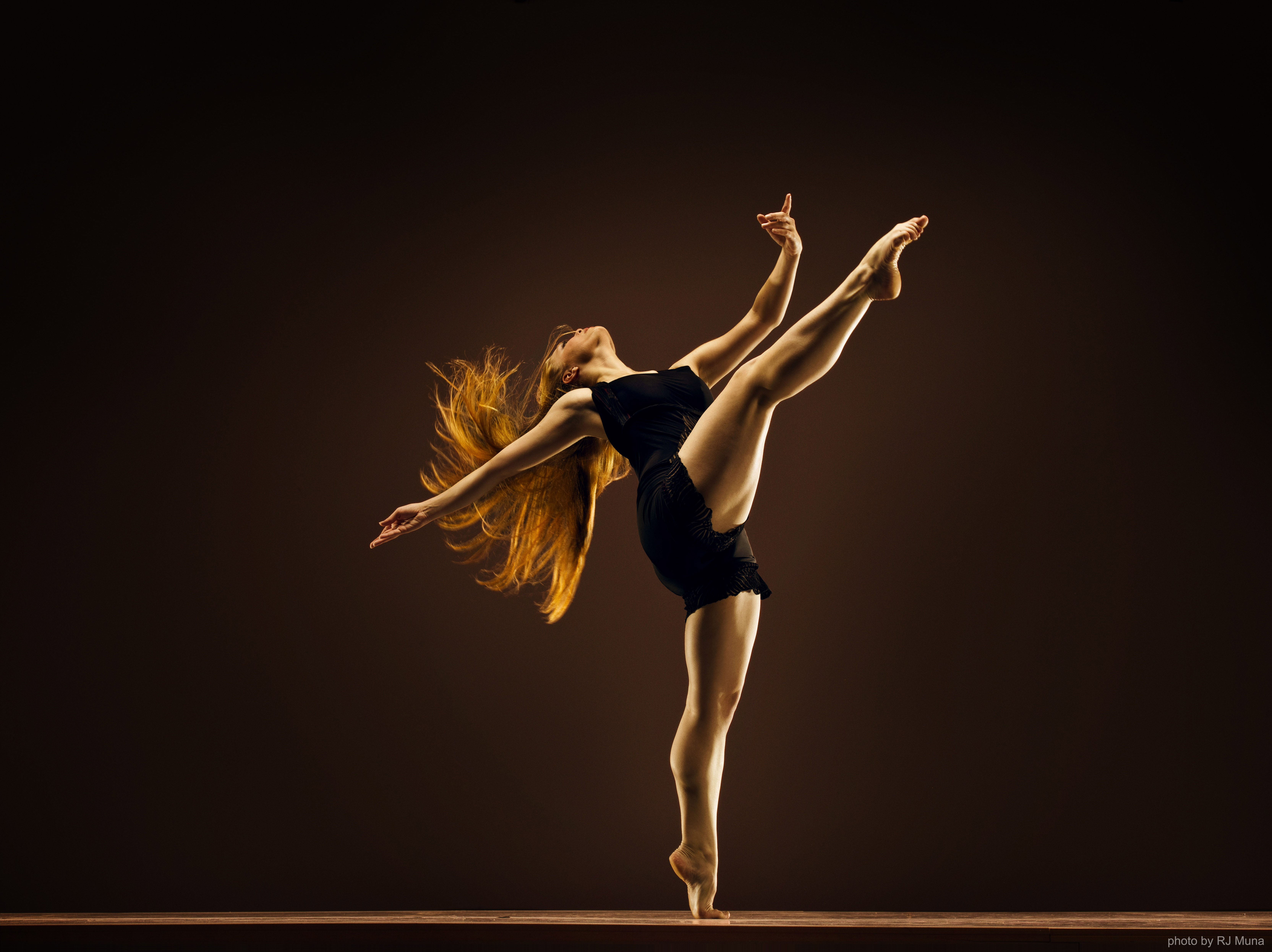 this post not only because i myself am a dancer by heart and i dance 6658x4984